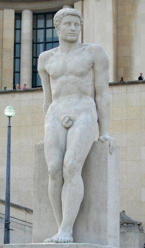 Pierre Traverse :  L'Homme, Paris XVI : Jardins du Trocadéro