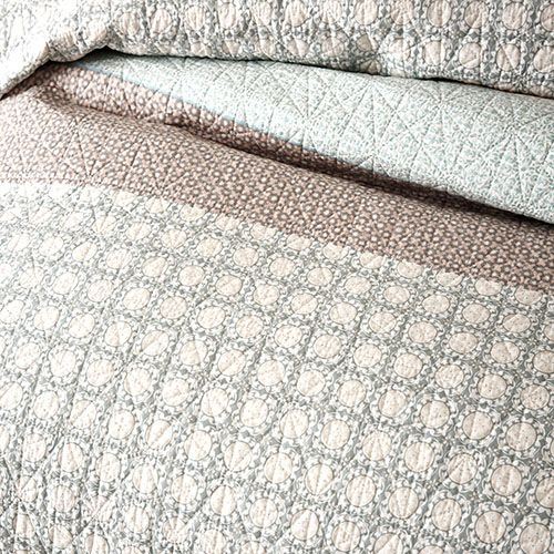 Anka Quilted Quilt Cover