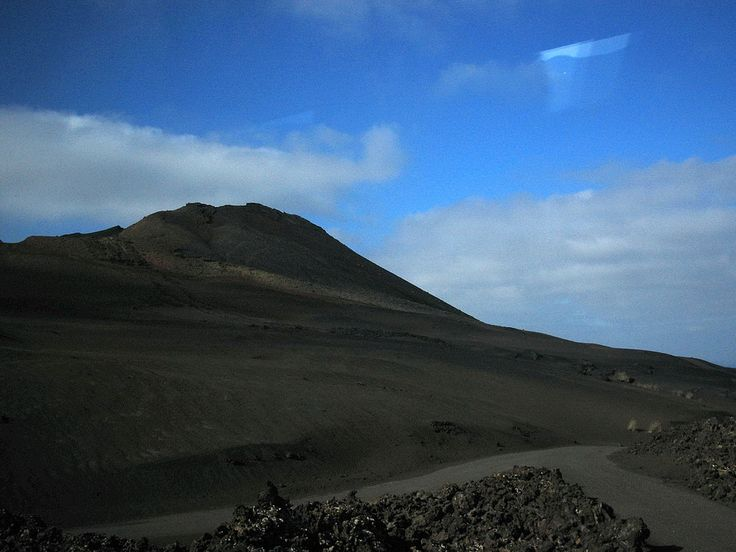 Lanzarote 237 Lanzarote 237 The astonishing volcanic lands of Lanzarote welcome you also the islands peace and saturninity encourage individuals��_