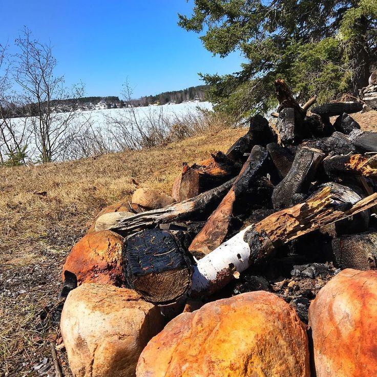 Feu de camp  ce soir  #lanaudiere #explorecanada #canadianphotography #paysage #country #sunnyday #quebecoriginal