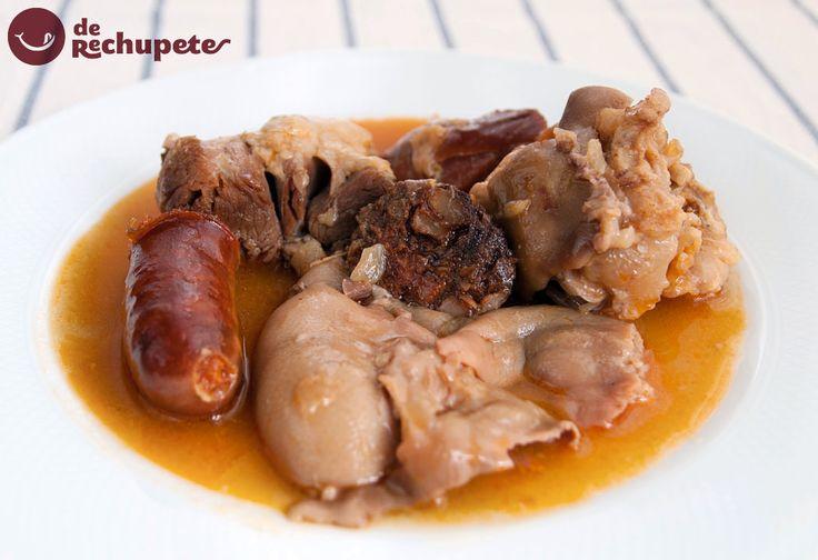 Una de las tapas más famosas de Madrid. Manitas de cerdo a la madrileña  http://www.recetasderechupete.com/manitas-de-cerdo-a-la-madrilena/12660/ #receta