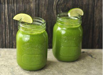 Recept voor een groente en fruit smoothie, vol met vitamines en mineralen. Ideaal om aan te vullen met proteïne van Sunwarrior Classis.