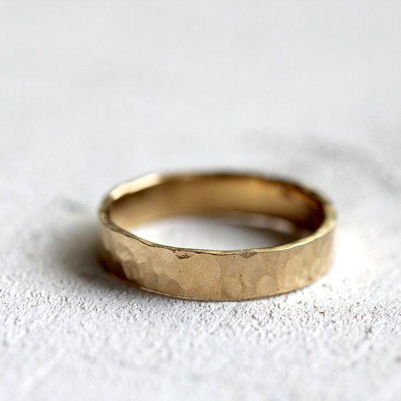 Hammered 18k yellow gold wedding ring