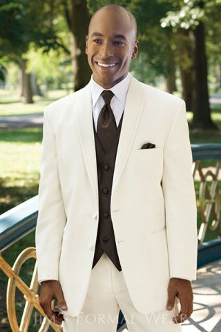 Ivory Is A Contemporary Choice For Warm Weather Affair The Unique Satin Framed Lapel Of La Strada Tuxedo Adds Special Detail To This Modern