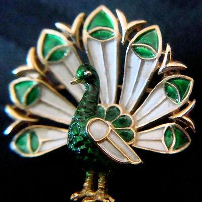 Vintage Crown Trifari White Green Enamel Peacock Brooch
