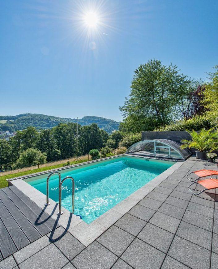 Pool In Kleinem Garten   Selbst An Hanggrundstücken Lässt Sich Der Eigene  Pool Verwirklichen.