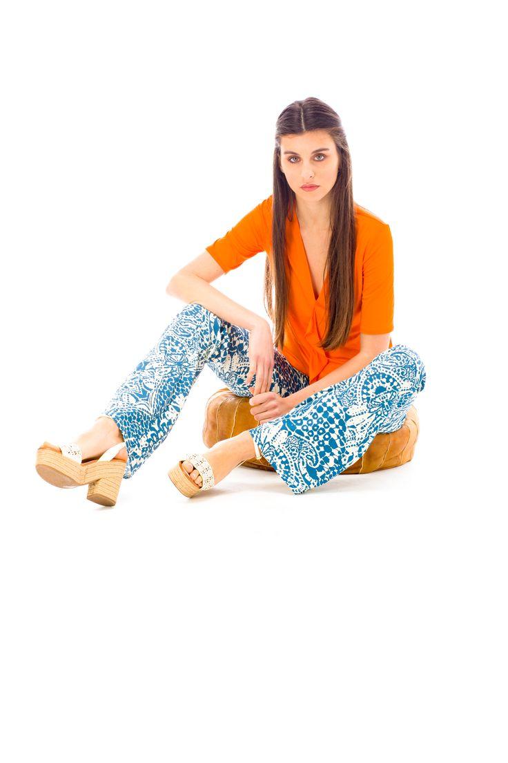 jan'o crea la forma del #jersey. #colori brillanti e #tessuti unici accendono l' #estate2017. Scegli il tuo #outfit2017 con il nostro #jersey e la nostra #seta. #fiori o #camoufflage, urban chic di tendenza.  #fashion #springsummercollection2017 #moda #shopping #style #newprints #newcolors
