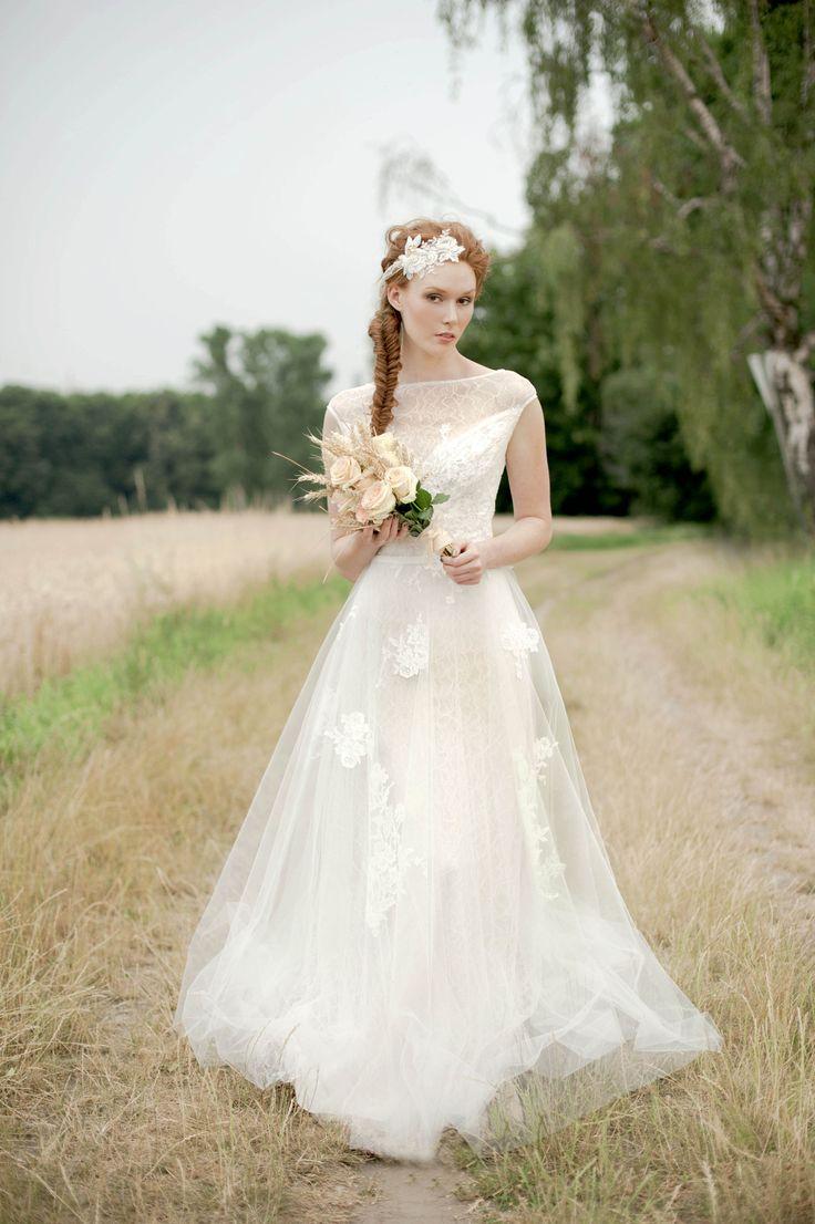 Brautkleid der Woche ~ Snow von Anna Kara by Perera/ Rüsche | www.brautsalat.de