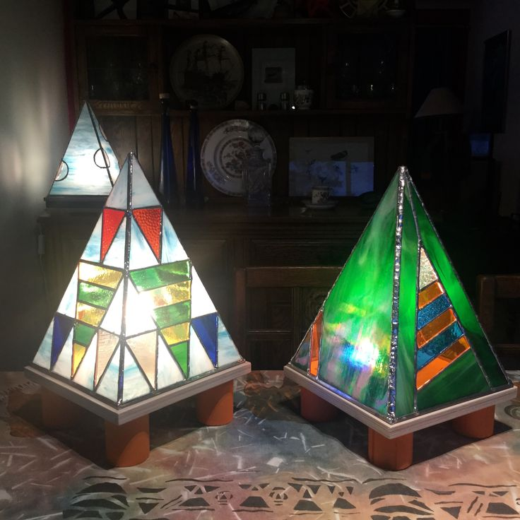 Pyramid shaped Stained Glass Lamps from #dolittleglass .   Each one is unique.  They provide gentle lighting, suitable for homes and business. Ideal for therapy treatment rooms.  Can be made to match customers colour schemes.