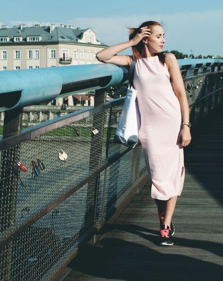 otwieramszafe.blogspot.com #sukienka #pudrowyróż #7/8 #modadamska #streetwear #modapolska
