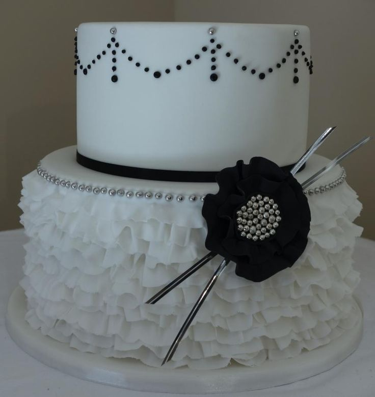 Black And White Ruffle Cake