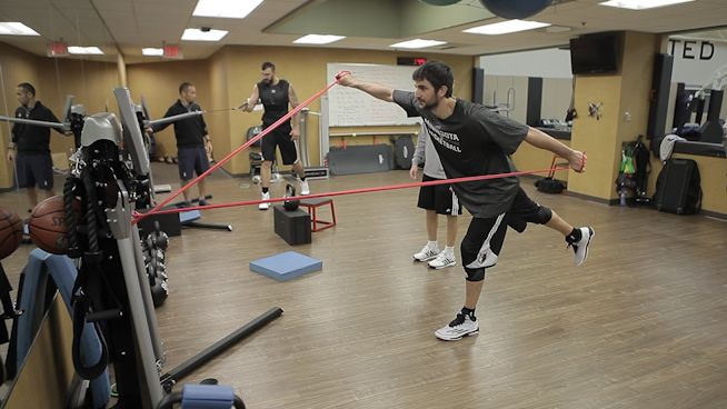 Watch NBA star Ricky Rubio perform the Hurdle Step to strengthen his lower body, upper body and core.