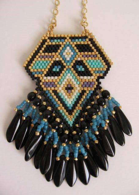 Native American inspiré graine perle pendentif par pattimacs