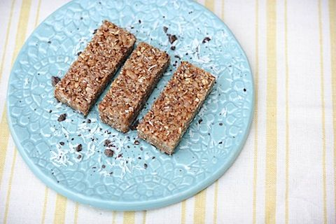 Homemade Luna Protein Bars-Chocolate coconut YUM! http://www.eatingbirdfood.com/2012/03/homemade-chocolate-dipped-coconut-luna-bars/