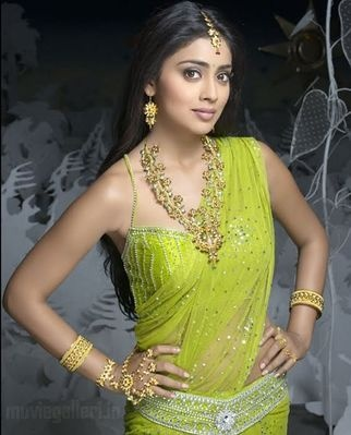 Cute Shreya.. For More: www.foundpix.com #Shreya #TeluguActress #Hot #TamilActress #ShreyaSaran