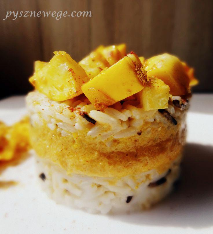 Składniki (na 2-3 porcje): 100 g ryżu długoziarnistego, 25 g dzikiego ryżu (możecie skorzystać z mieszanki Uncle Ben's), pół żółtej cukinii, 3 cm korzenia imbiru, 2 łyżki masła (wersja wegańs…