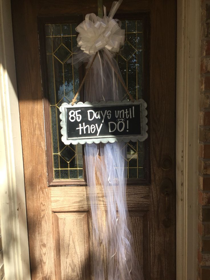 bridal shower themes for spring%0A Bridal shower front door decor