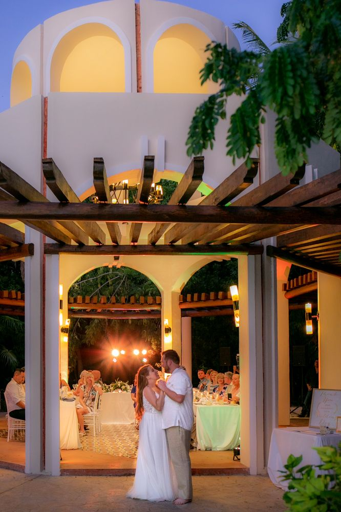 Lauren Zachary Valentin Imperial Maya In 2020 Riviera Maya Weddings Beach Wedding Reception International Wedding