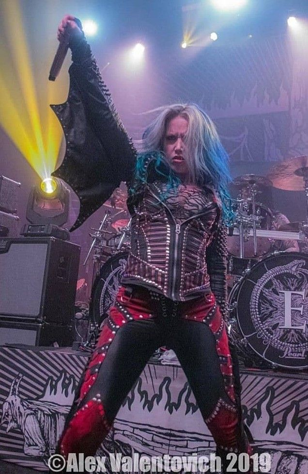 Alissa W Gluz In 2020 Heavy Metal Girl Metal Girl Black Metal