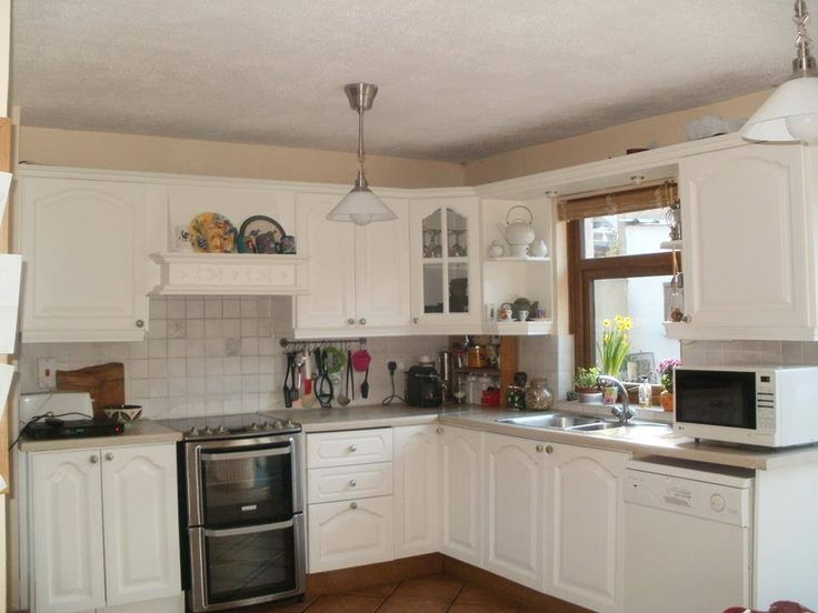 Beautiful Farrow & Ball hand painted kitchen renovation
