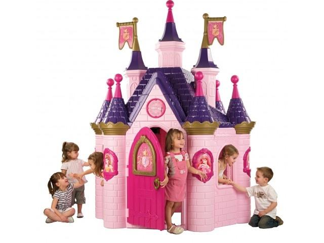 I need this princess playhouse...