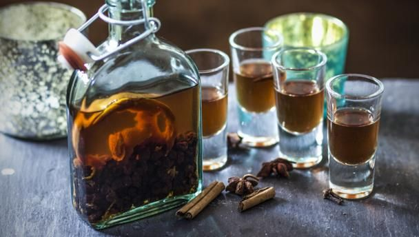 Christmas pudding vodka |      Keep this delicious aperitif in the freezer for a refreshing - and surprising - Christmas drink.