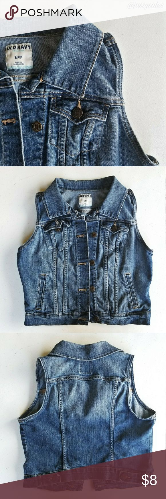 Old Navy Medium Wash Denim Vest 》 Size: SMALL WOMEN'S 》 Condition: This denim vest is in great condition and a must have basic for any wardrobe! The only flaws are a little fading from regualr wear. Old Navy Jackets & Coats Vests