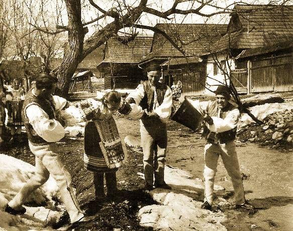 Heľpa, Veľkonočná oblievačka  Slovak Eastern tradition