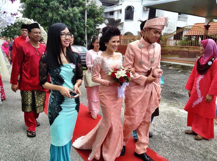 Super love my songket wedding dress by Asian Atelier! ❤️❤️❤️