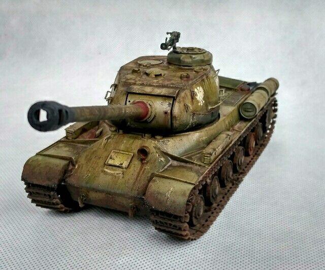 IS-2 Alfred, Model, Tank