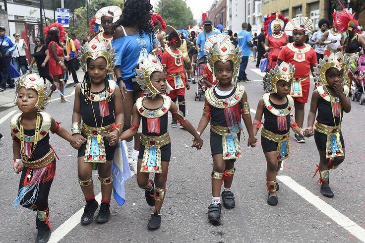 En images: début du Carnaval de Notting Hill à Londres