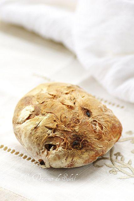 pain au levain noisettes et raisins, des que mon levain est au top, je teste !