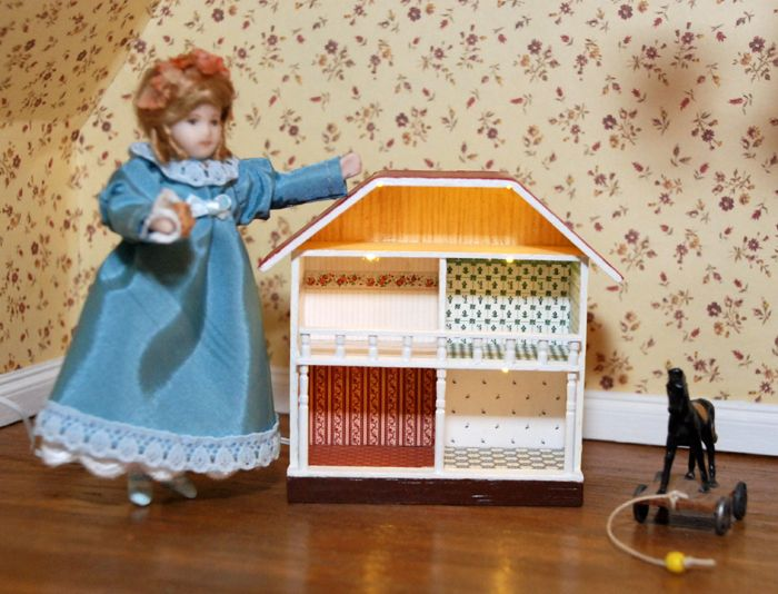 Mini-Puppenhaus 1:144  Design & handcrafted by Kreamini