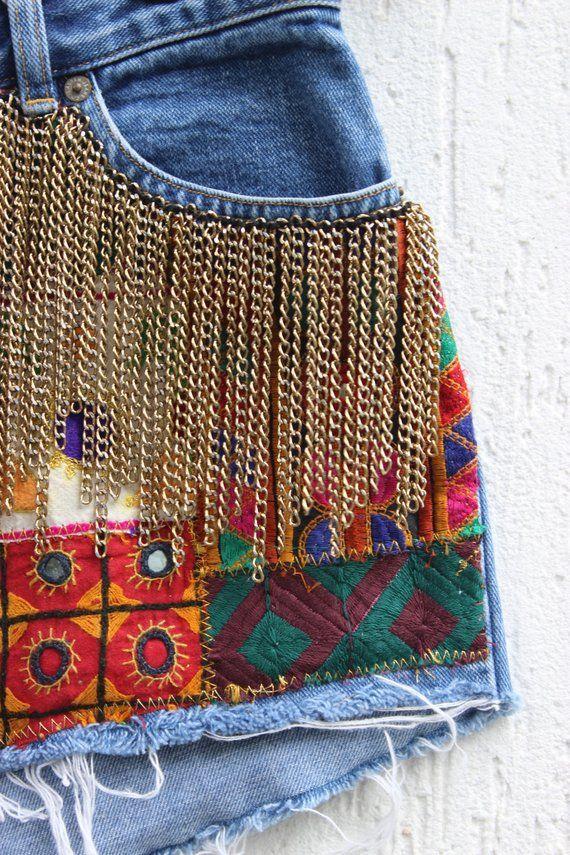 Vintage Denim cutoff jean shorts / Embroidery Vintage denim shorts / High waisted Denim shorts / 32W – ropa