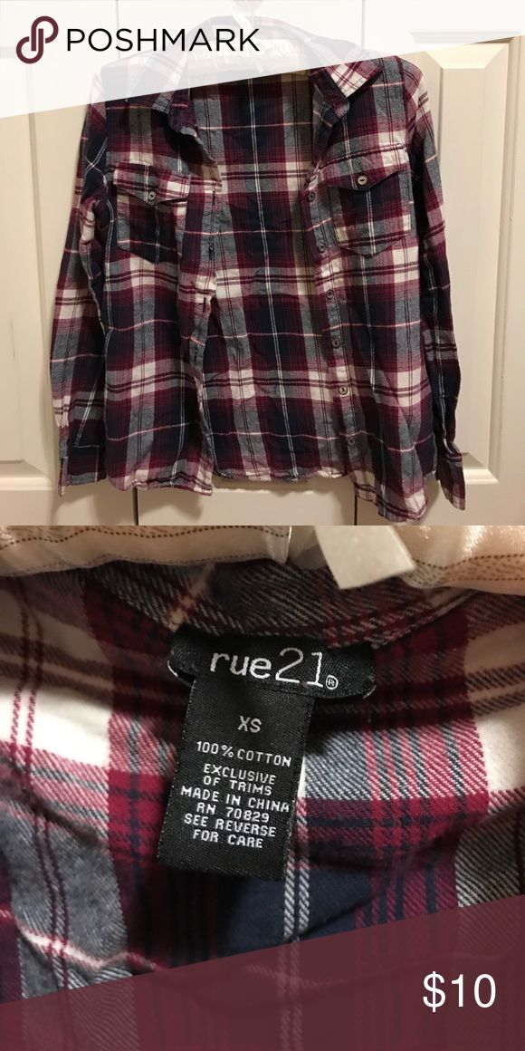 Rue 21 Flannel Rue 21 Flannel, hardly worn, smoke and pet free! Nothing wrong with it, good condition ☺️ Rue 21 Tops