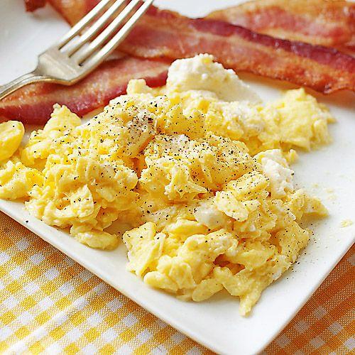 scram eggs with ricotta