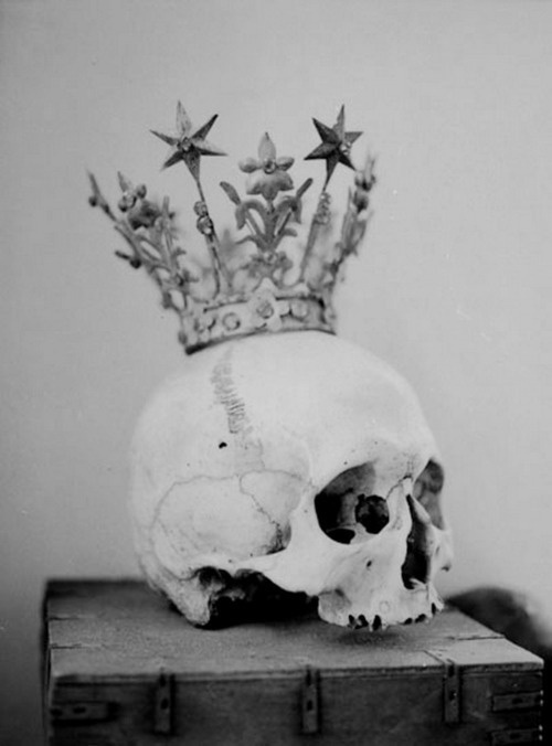 King of nothing: Tattoo Ideas, Inspiration, The Queen, Posts, Skeletons, Crowns Jewels, Princesses Crowns, Beautiful Queen, Skull Art
