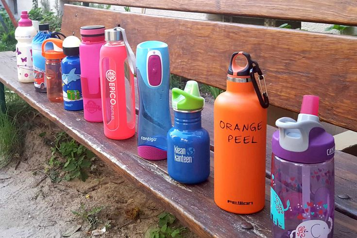 Die beste Trinkflasche - AllesBeste.de Die Auswahl an Trinkflaschen für Kinder ist riesig. Plastik, Glas oder Metall – welche ist die Beste? Wichtig ist aber vor allem, dass der Inhalt bleibt, wo er hingehört: nämlich in der Flasche. Wir haben zehn Trinkflaschen getestet und einen Siege ausgemacht: Die Contigo Swish. https://www.allesbeste.de/test/die-beste-trinkflasche/ #AllesBeste #Test #CamelBakEddy #ContigoSwish #EmilDieFlasche #EpicoBottlesSports #Kindertrinkflas