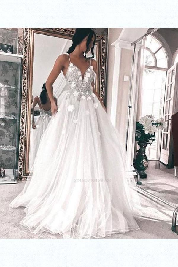 Scorching Sale Vogue V-Neck Bridesmaid Clothes Superb Lengthy Bridesmaid Gown, V Neck Promenade Gown