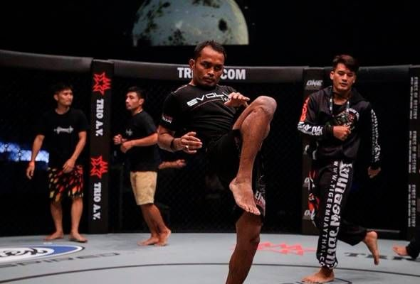 Top Asian Mma Promotion One Championship Now Has Kickboxing League Martial Arts Competition Kickboxing One Championship