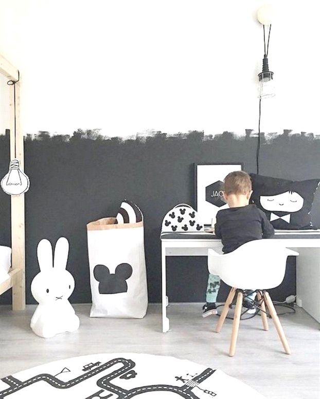 Peinture Ardoise Chambre Enfant Idées Originales Mur En Noir Et Blanc  #child #room #Kidsroomideas #ChildRoom