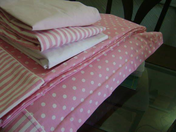 e8b06481e4 Jogo de cama solteiro confeccionado em tricoline e percal 100 % algodão.  Com 01 lençol de elástico em percal rosa ou branco