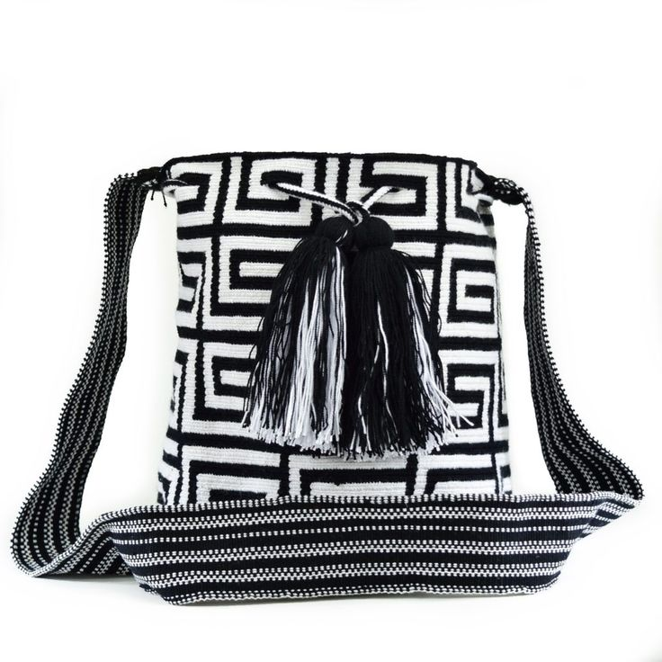 Wayuu Bag – Medium Mochila – Premium – 2583  $110  #wayuu #wayuumochila #wayuubag #wayuumochilabags #products #mediumbag #mediummochila#handmade    https://wayuu-mochila-bags.com/shop/premium-wayuu-bags/medium-single-thread-mochila/finest-single-thread-authentic-wayuu-mini-mochila-bag-colombian-boho-hobo-2583/