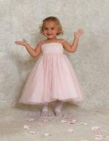 Roze jurkje met zilverkleurige pailletten Corrie's bruidskindermode. Bruidsmeisje, bruidskinderen, doopjurk, trouwen, huwelijk, bruiloft.  bruidskindermode.nl