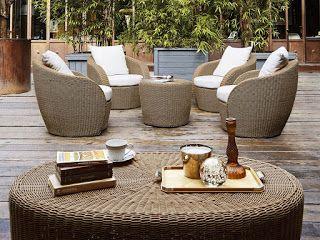 Salotto da esterno! Arredamento terrazzo moderno ed elegante. Divano da giardino in rattan