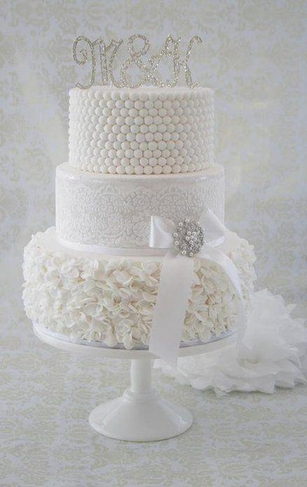 White wedding cake <3