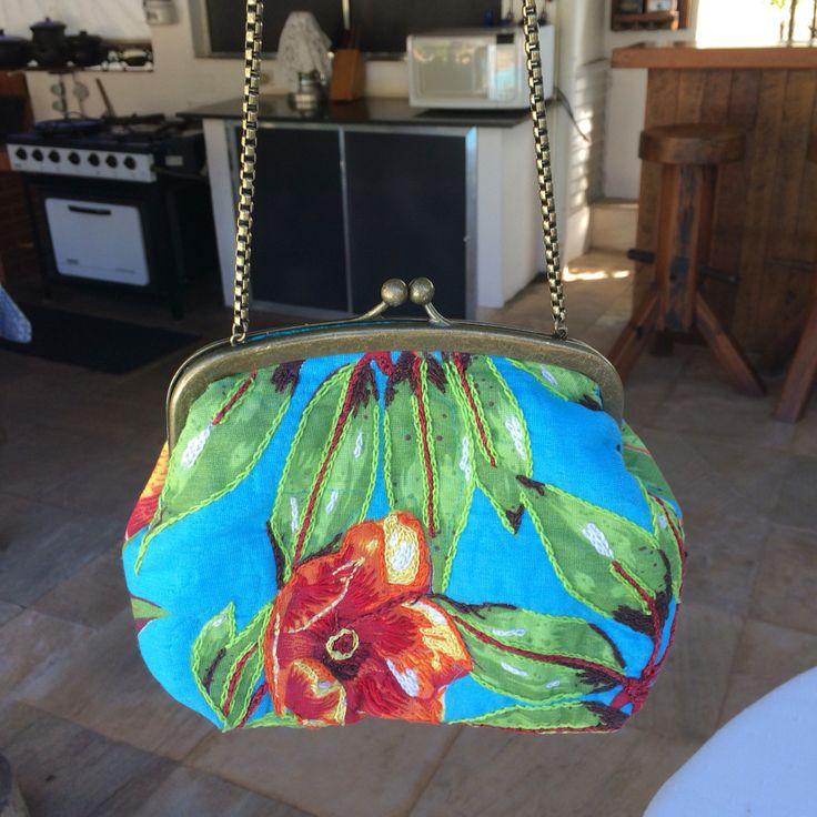 Bolsa de chita bordada