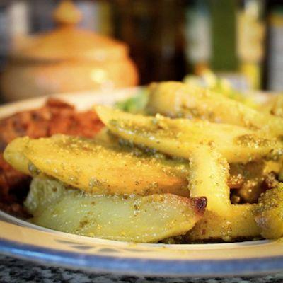 Papupihvit,pippurikastike ja pestopotut