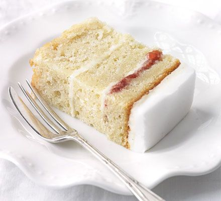 Easy vanilla cake-a moist cake drenched with vanilla syrup note: the measurements are in grams
