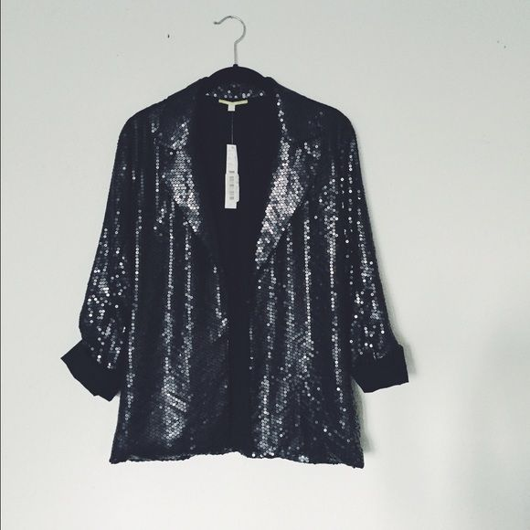 Gianni Bini Black Sequin Blazer✨ PERFECT condition, never worn, tags still attached! PERFECT for Christmas or New Years Eve adds the perfect amount of sparkle to any outfit! Gianni Bini Jackets & Coats Blazers